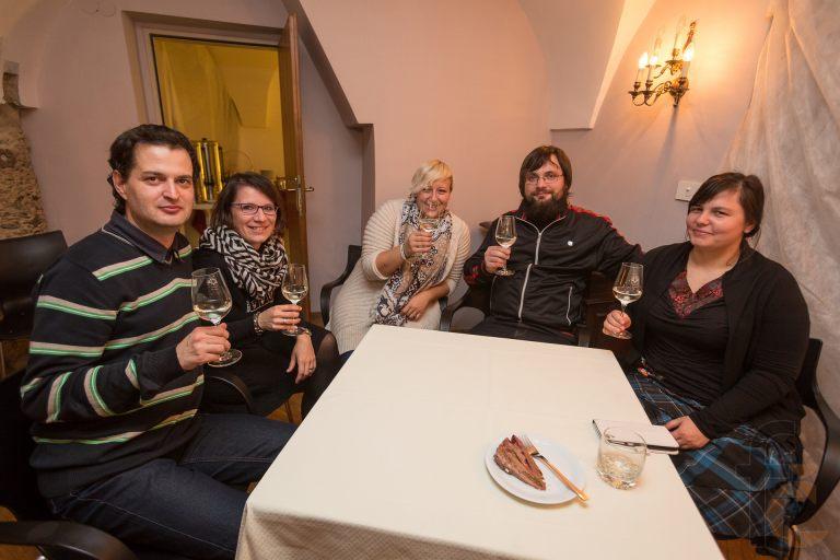 Cheers, Pesniska!